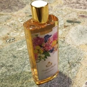 NWT Monique Lhuiller Citrus Lily Shower Gel